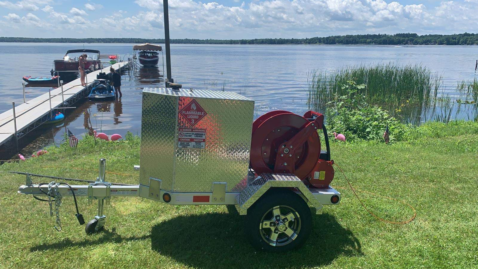 Read more about the article Robinson's new portable fuel trailer is a hit at the lake